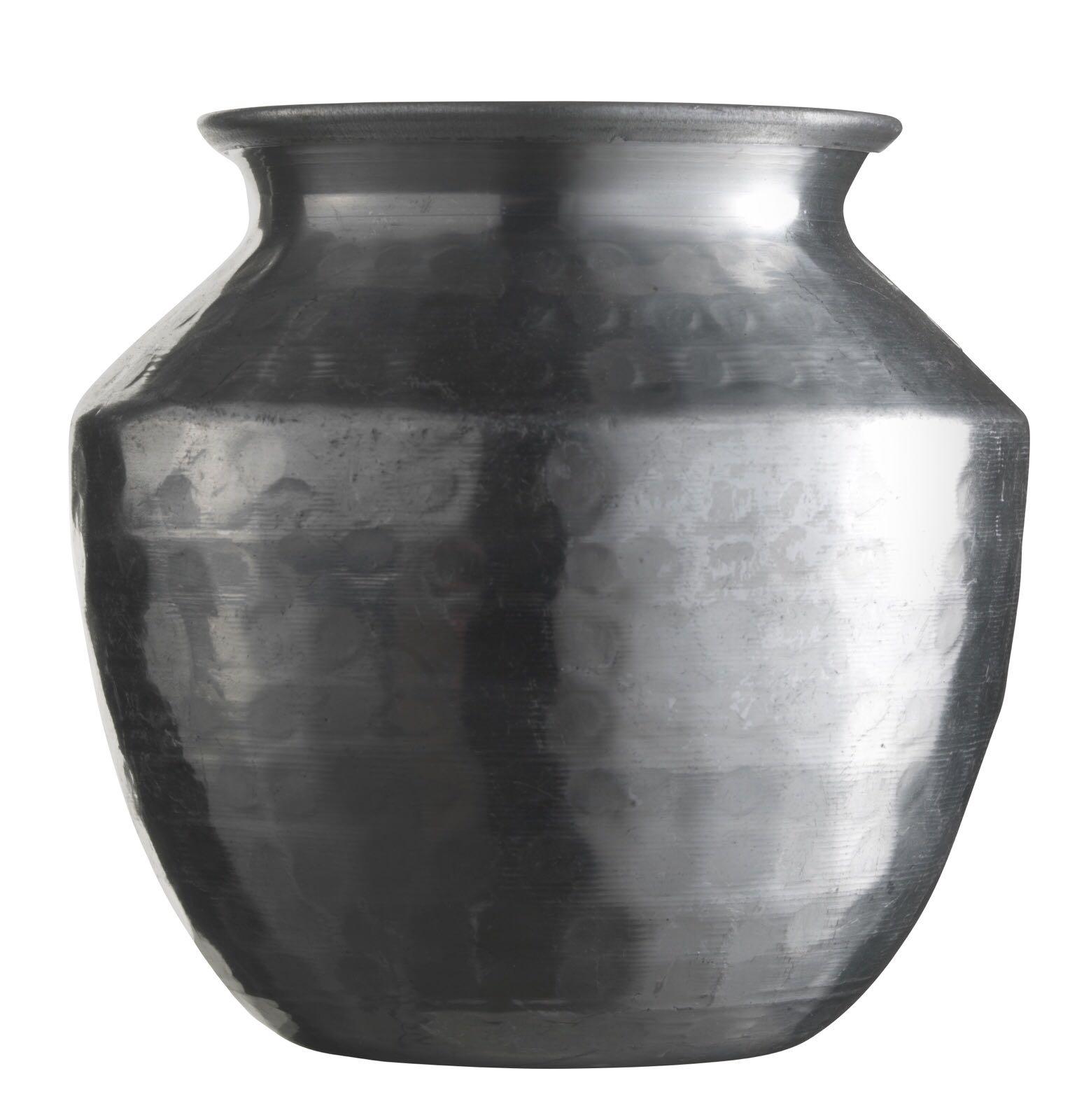 Vase aus Alu, gehämmert